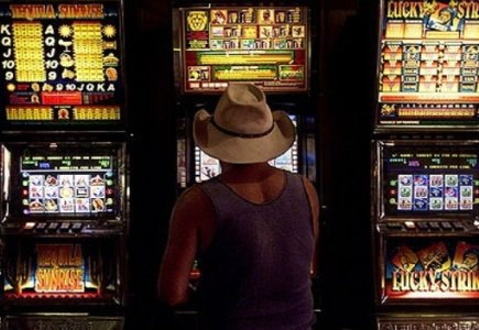 Pokies, Not Internet Pose Bigger Threat for Aussie Gamblers
